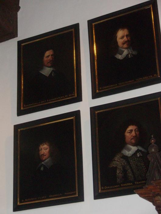 Portretten in de Vredeszaal van Munster van de volgende vier Nederlandse gezanten. Linksboven, Bathold van Gent (Gelderland), rechtsboven Godart van Reede (Utrecht), linksonder Adriaen Clant van Stedum (Groningen), rechtsonder Willem Ripperda (Overijssel)