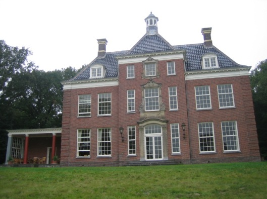 Het voor de familie Dorhout Mees in 1921 ontworpen huis voor het nieuwe Leyduin in het zuiddeel van het landgoed te Vogelenzang (Bloemendaal)