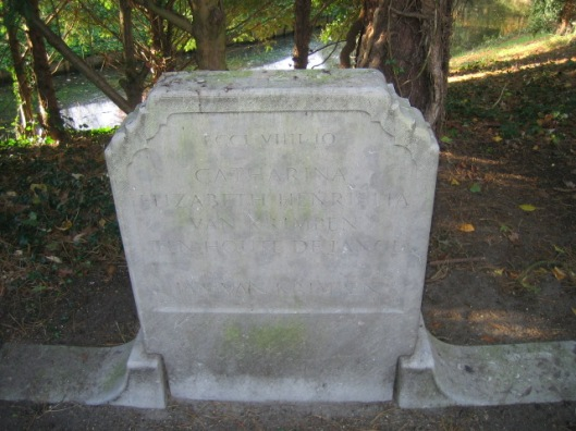 Graf Jan van Krimpen (begraven 23-10-1958) en zijn echtgenote