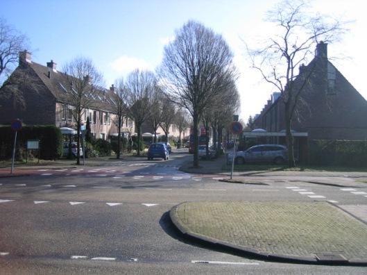 Toegnangsweg (Aletta Jacobslaan )naar Merlenhoven vanaf de Glipper dreef