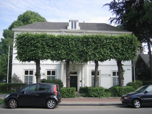 Huize Postl;ust aan de Herenweg Heemstede, waar tegenwoordig afscheidshuis Brokking en Bokslag is gevestigd.