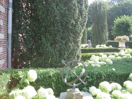 Zonnewijzer in de tuin van 't Oude Slot Heemstede