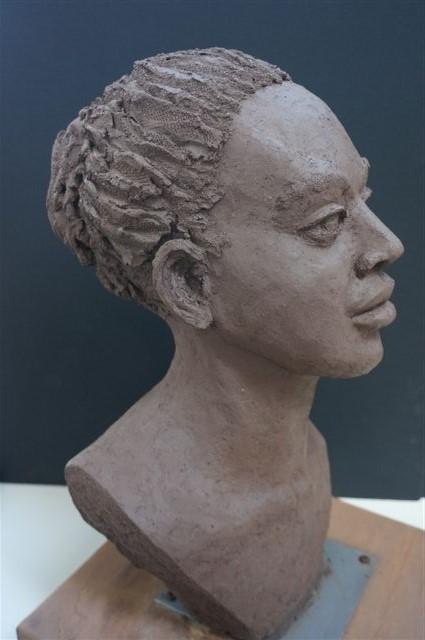 Ontwerp beeld van een Afrikaanse vrouw; door beeldhouwster Ellen Wolff uit Heemstede, 2015