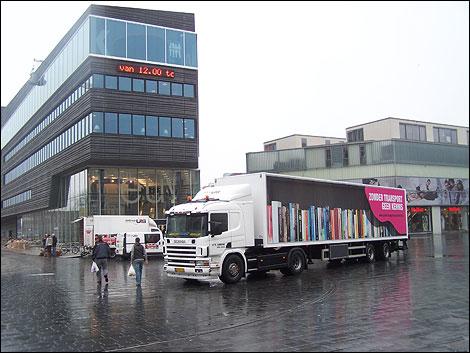Verhuizing door de firma UTC Cors de Jongh naar de nieuwe bibliotheek van Almere in 2010