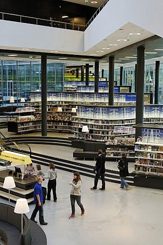 Interieur bibliotheek Almere (foto Wim Ruigrok)