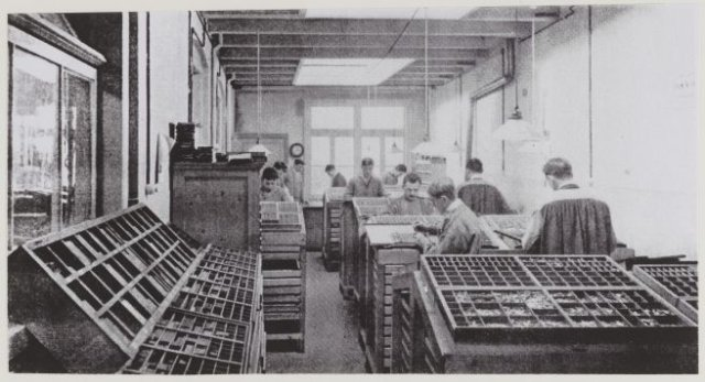 Zetterij van drukkerij Van Assema in Heemstede omstreeks 1925