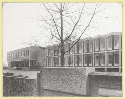 Het intussen afgebroken Christelijk atheneum Adriaen Pauw in Heemstede omstreeks 1975 (foto Bob Bakker).