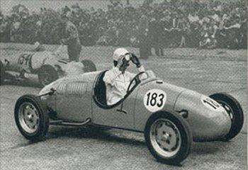 Lex Beels in zijn 'Beels 500' aan de start in Avus, juli 1951