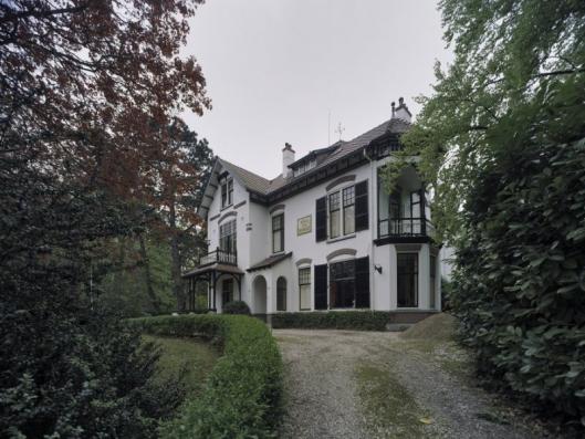 Villa Bosch en Duinzicht aan de Rijksstraatweg Bennebroek (foto A.J.van der Wal, 2005)