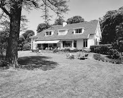 Woonhuis - tot villa verbouwde stal - op het het landgoed Berkenrode