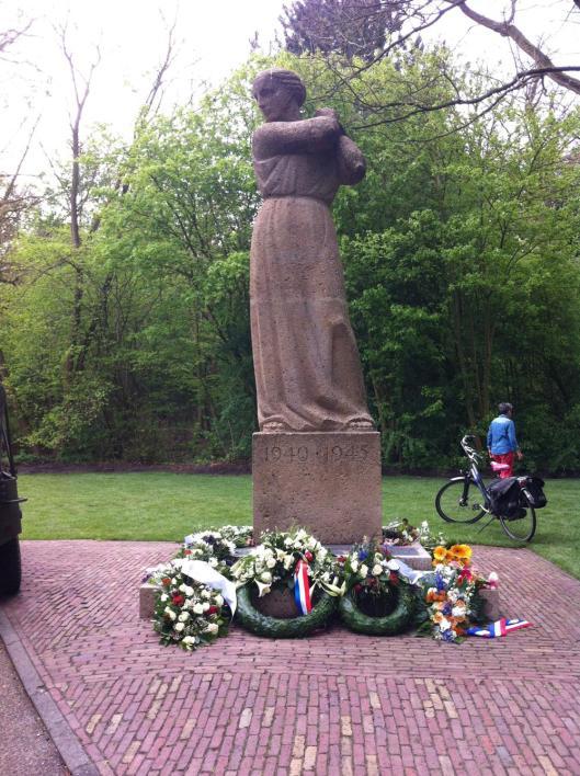 Bevrjdingsmonument Heemstede, 5 mei 2015 (foto Patrick van der Vegt)