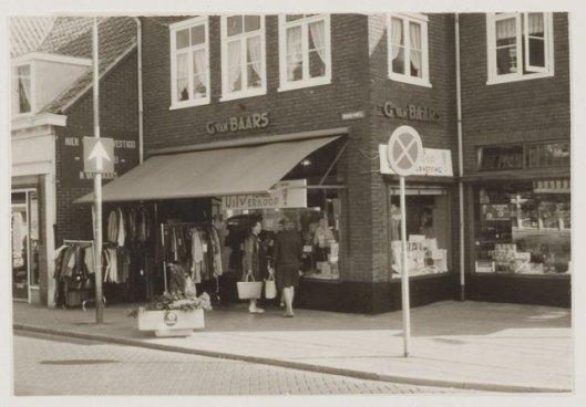 G.van Baars, parfumerie. 1970