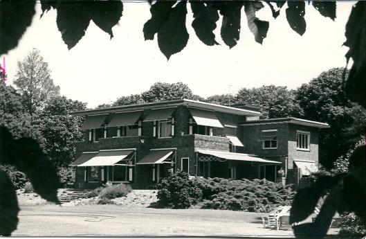 Bloemenoord bewoond door familie H.Rhodius in 1950