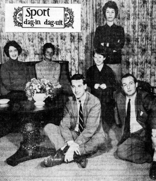 Vijf kinderen (en 1 kleinkind) Bouwman. Van links naar rechts: Loekie, Tineke, de kleine Viola en Mies Bouwman. Op de voorgrond links Paul Bouwman en Rechts Henk Bouwman. Foto uit de Telegraaf van 10-11-1960