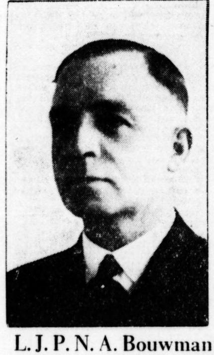 Portret van L.J.P.M.A.Bouwman (1889-1957). De heer Bouwman woonde een groot deel van zijn leven in Heemstede en was een veelzijdig en bedrijvig man. Naast andere (neven)functies o.a. directeur van reisbureau Lissone-Lindeman, lid van Provinciale en Gedeputeerde Staten in Noord-Holland en secretaris van de Katholieke Radio Omroep.