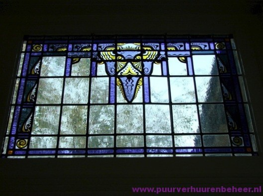 Glas-in-loodraam in een pand aan de Bronsteeweg Heemstede
