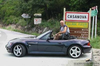 Casanova reide in zijn leven ongebeer 60.000 kolometer door Europa. Op het eiland Corsica is een plaatsje (en hotel) naar hem vernoemd. Wereldwijd zijn er enige tientallen hotels, restaurants, café's en bordelen naar hem vernoemd
