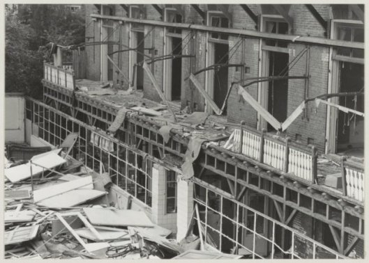 Sloop van Diaconessenhuis aan de Hazepaterslaan Haarlem  in 1982 (NHA)
