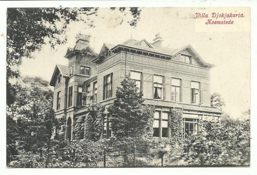 Oude ansichtkaart uit omstreeks 1920 van villa Djokjakarta aan de Kerklaan