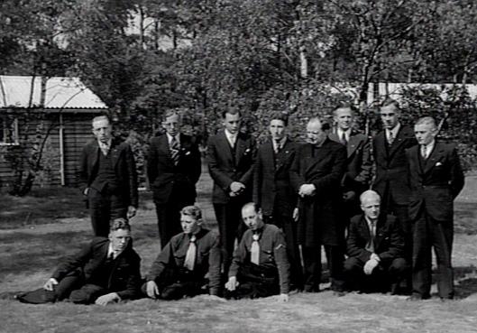 H.A.J.Drost was van 1953 tot zijn pensionering in 1970 pastoor te Heemstede. Op deze foto staat hij als praeses van dr St.Joseph jongerenbeweging en docesaan aalmoezenier in de K.A.J. (Katholiek Documentatie Centrum)