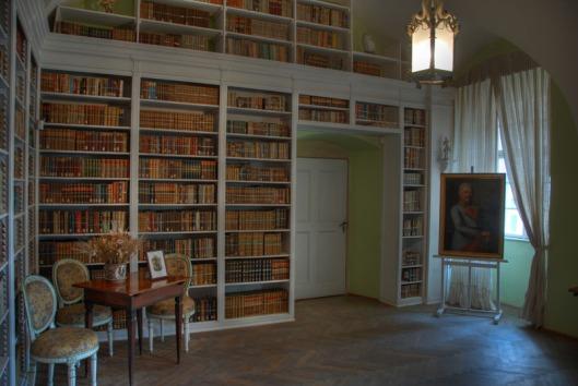 Interreurfoto van de huidige bibliotheekkamer in het kasteel der Von Waldsteins (Wallensteins) te Dux, Tsjechië