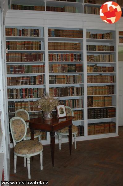 Huidige bibliotheekkkamer in het kasteel van Dux