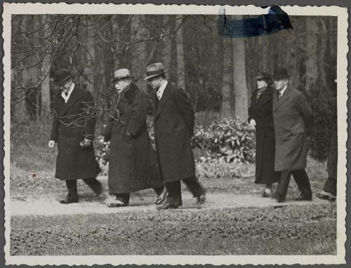 Het gezelschap van de ex-keizer in Groenendaal (foto Huis Doorn)