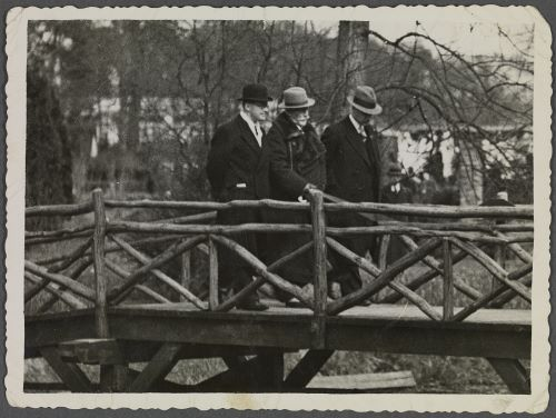 Wilhelm begeleid op de Flora door de heer A.C.van der Schoot jr.