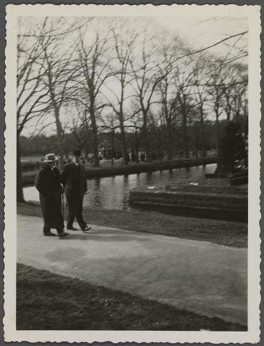 Op het tentoonstellingsterrein van Flora 1935 (foto Huis Doorn)