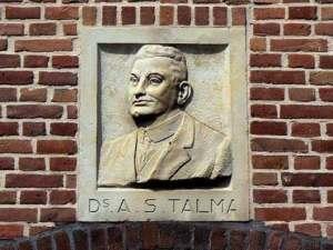 Gevelsteen A.S.Talma in Talmastraat, Haarlem