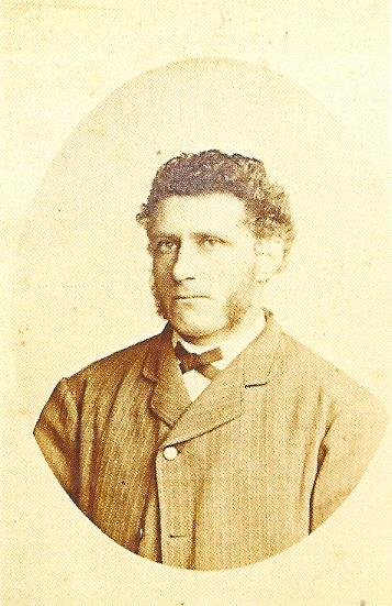 In 1869 is korenmolen de Nachtegaal aangekocht door de uit Noord-Duitsland afkomstige H.H.Höcker. Diens nazaten maakten er een bloeiende meelfabriek van.