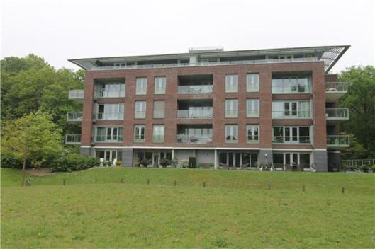 Eén van de 4 appartementencomplexen, op de plaats van en genaamd Hagenduin.