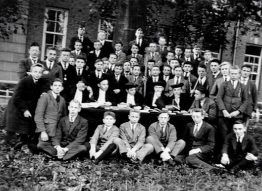 Studenten en professoren van seminarie Hageveld, 1 november 1926 (KDC)