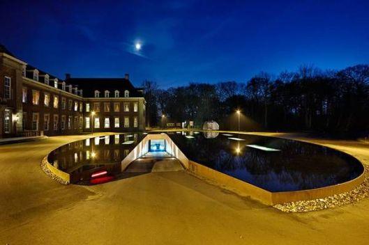Vooraanzicht woondeel Hageveld bij avond (Hosper)