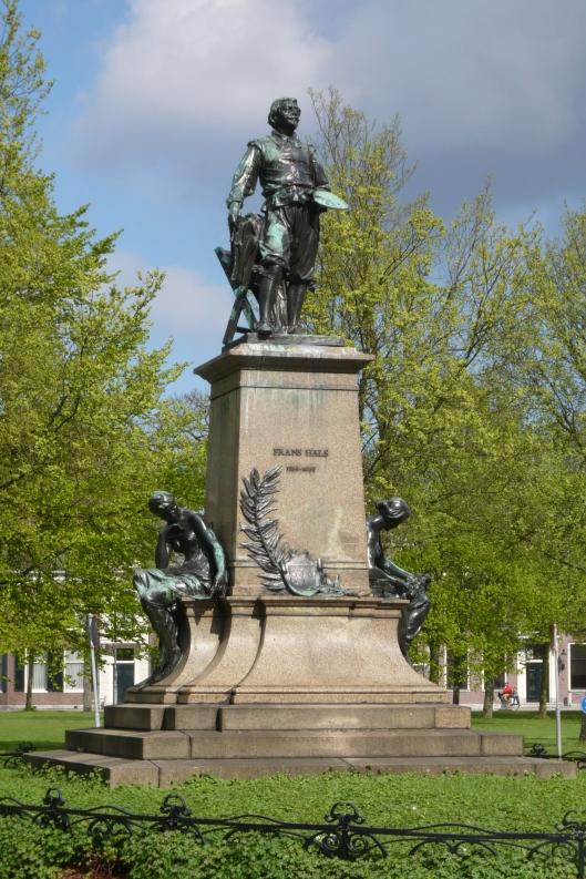 Het Frans Hals monument in het Florapark Haarlem
