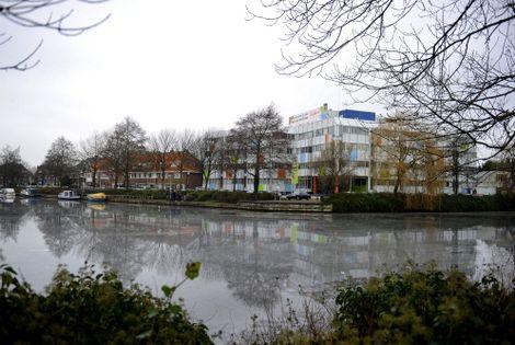 De vroegere industriehaven met in de Havenstraat een kantorencomplex