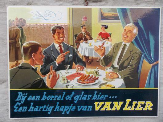 Dolf Hell maakte mij attent op twee bij Catawiki geveilde reclameborden van de vroegere worstfabriek Van Lier in Enschede