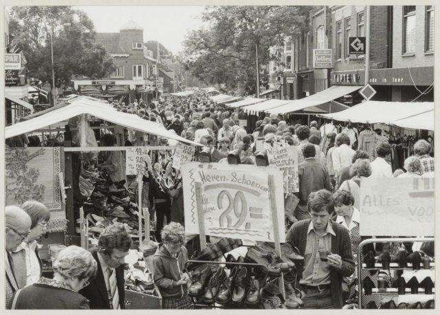 Jaarmarkt Raadhuisstraat Heemstede, 1978 (foto Cees de Boer)