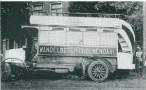Aanrijding van de Groenenendaal-bus 8 juli 1914 op de Binnenweg tegenover de kastanjelaan