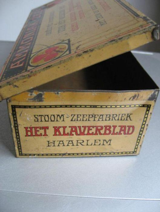Blik ammoniak-zeep van 'Het Klaverblad', Haarlem