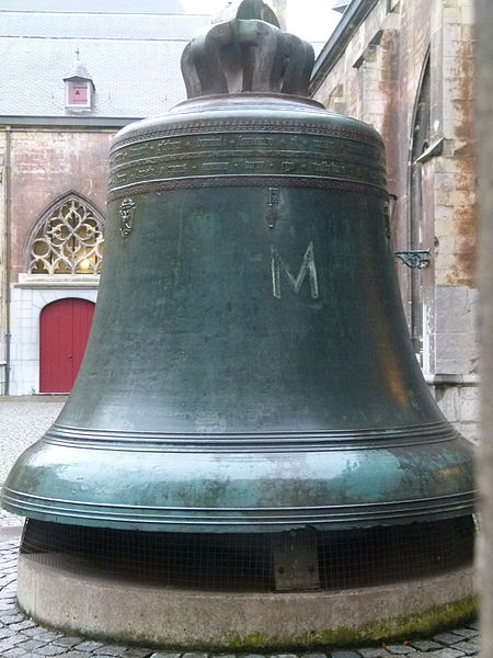 De klok 'Grameer' die tot 1850 heeft gefunctioneerd en tegenwoordig een plaats heeft gekren op de binnenplaats van het klooster van de Sint-Servaas basiliek.