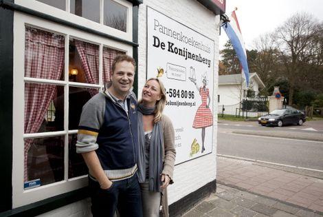De huidige uitbaters van pannenkoekenhuis De Konijnenberg in Heemstede: Marco Uitendaal en Mandy Tienstra
