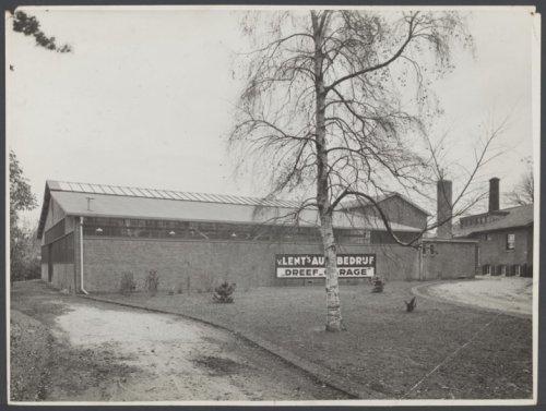 Van Lent's autobedrijf en Dreefgarage tussen Bronsteeweg en Heemsteedse Dreef