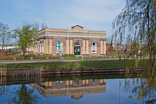 Vm. pompgebouw Leyduin van de Amsterdamse Waterleidingduinen aan de Leidsevaart in Heemstede