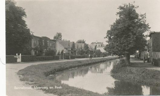 Oude foto van de Meerweg en Bennebroekervaart/de Reek in Bennebroek