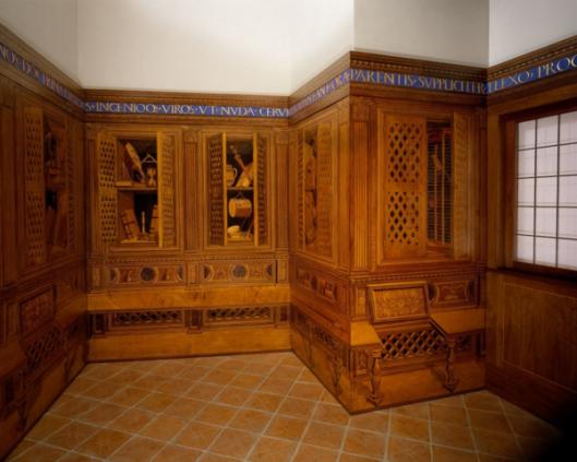 Dit 'studiolo' (kabinet) is in opdracht van de hertog van Urbina, Frederico da Montefeltro na circa 140 vervaardigd  voor zijn paleis in Gublio.