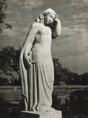 Oorlogsmonument 1940-1945 in Bennebroek, vervaardigd door mevrouw G.J.Loeff-van Someren Gréve