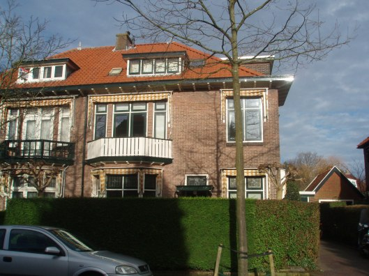 Het huis vd. de Meermin geheten in de Jeroen Boschlaan te Heemstede waar Hella Haasse kort bij haar terugkeer uit Soerabaja biij haar grootouders De Vries-Weitzel heeft gewoond.