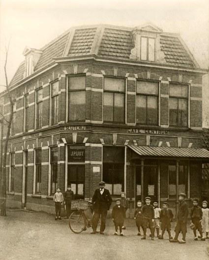 Café 't Centrum/De Eerste Aanleg