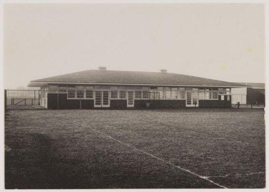 Nieuwe kantine/restaurant van de Heemsteedse Sportparken, 1932